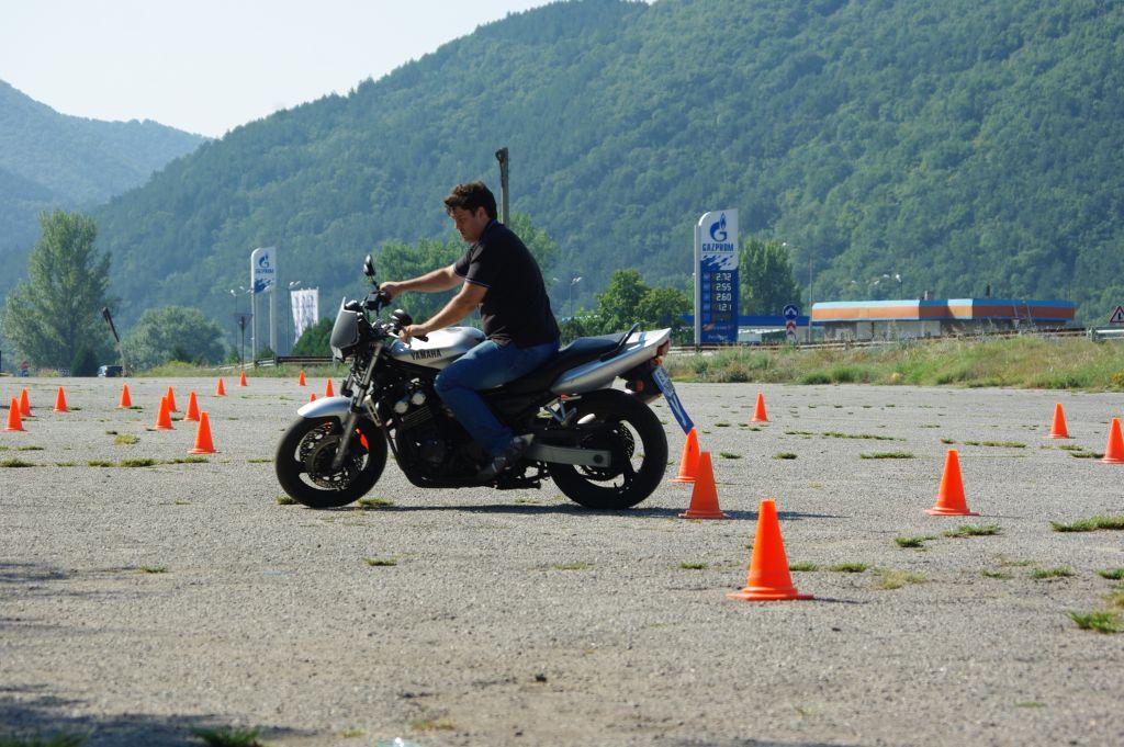 Motorist na motopoligon