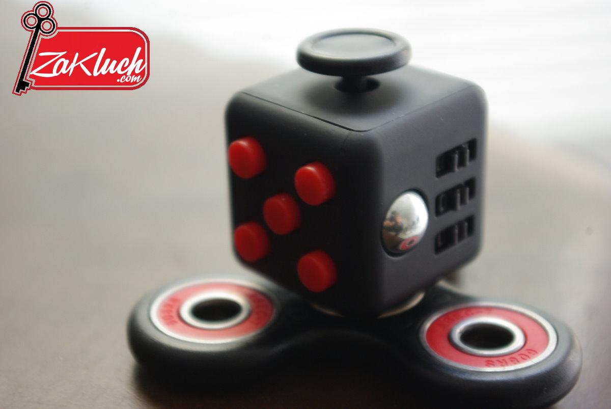 Fidget Cube и Fidget Spinner