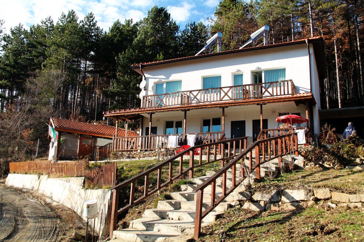Къща за гости КАЗАБЛАНКА СТАРА-КРЕСНА и ОЩАВА3
