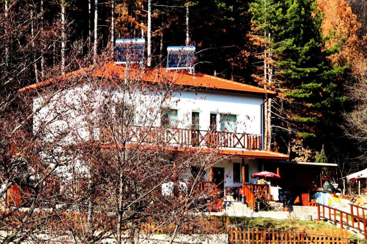 Къща за гости КАЗАБЛАНКА СТАРА-КРЕСНА и ОЩАВА4